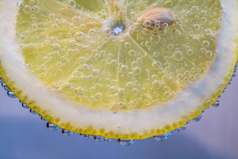 Tranche de citron pour faire le ménage